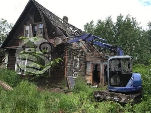 Демонтаж старого дачного дома