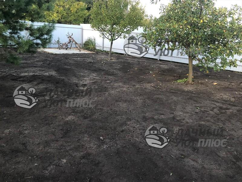 Отсыпка грунта и устройство газона на участке