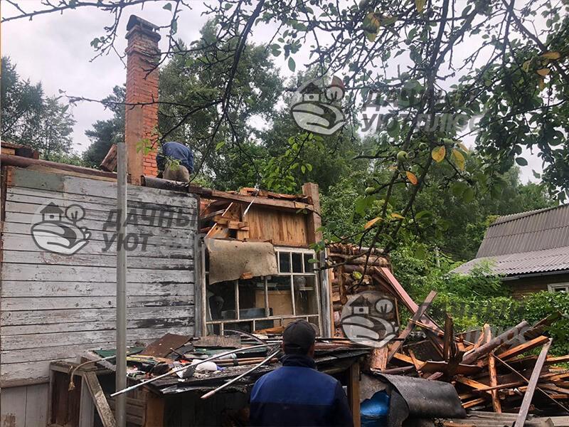 Демонтаж щитового дома вручную
